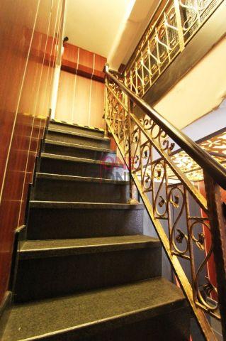 知足康 (大圍店) - 步上二樓的樓梯