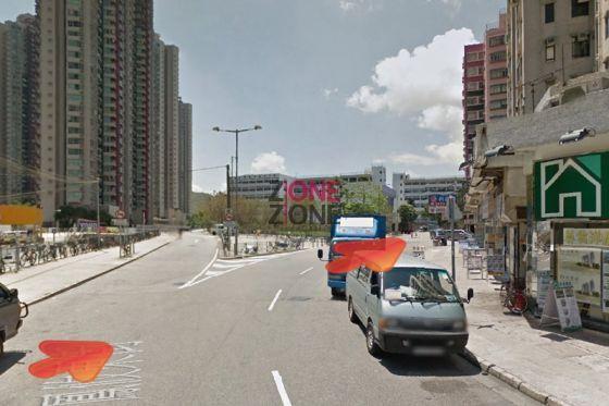 行前少少,向右,沿鳳攸東街直行。