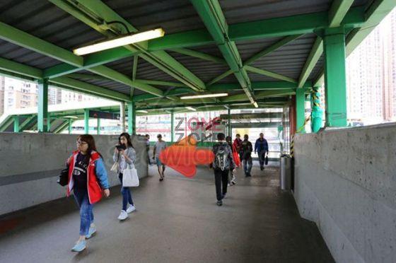 1. 由九龍灣地鐵站B出口前進。