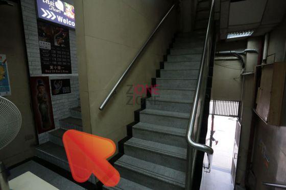 步入大廈後上一樓,不用搭Lift,轉右就到達Thai Heart Massage